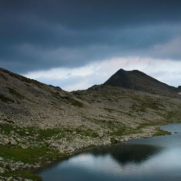Momin Dvor peak and Tevno Ezero lake